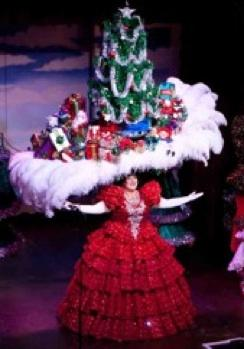 Holiday Hats at 'Beach Blanket Babylon'