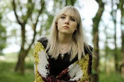 Saoirse Ronan stars in 'How I Live Now'