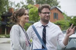 Rose Byrne and Seth Rogen star in 'Neighbors'