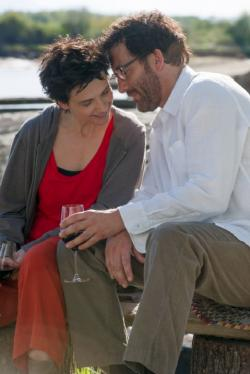 Juliette Binoche and Clive Owen star in 'Words and Pictures'