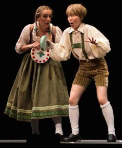 Joana Latini as Gretel and Jooyean Song as Hansel in Humperdinck's 'Hansel and Gretel'