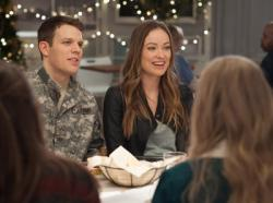 Jake Lacy and Olivia Wilde star in 'Love the Coopers'