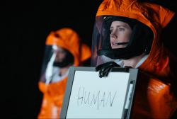 Amy Adams stars in 'Arrival'