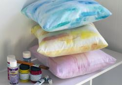 DIY: Watercolor Effects Add Color to Pillows