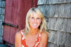 Elin Hilderbrand Reads at Writers in the Loft Series