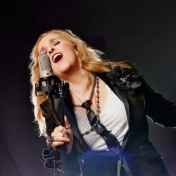 Melissa Etheridge Brings 'Merry Christmas, Baby' Tour to Ridgefield Playhouse