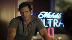 Chris Pratt in a scene from a Michelob Ultra commercial.