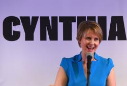 Cynthia Nixon speaks to people at the Bethesda Healing Center in Brooklyn on March 20, 2018.