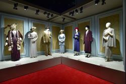 "Costumes from ""Downton Abbey"" on view at ""Downton Abbey: The Exhibition"" in Boston through September"