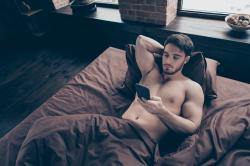 Report: Gay Dating Apps Still Vulnerable to Location Leaks