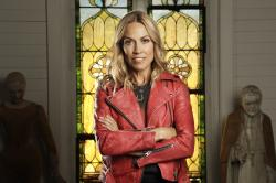 "Sheryl Crow poses in Nashville, Tenn. to promote her latest album, ""Threads."""