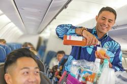 Macadamia Nuts and Mai Tais: Arriving in Luxury on Hawaiian Airlines