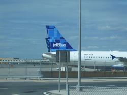 JetBlue Ups Fees to $35 for Checked Bag