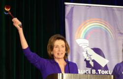 Political Notebook: Pelosi to face Democratic challenger in November