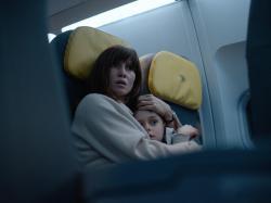 Peri Baumeister as Nadja and Carl Koch as Elias in 'Blood Red Sky'