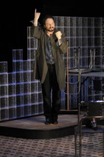 "Erik Jensen as Lenny Bruce in ""Schmucks."""
