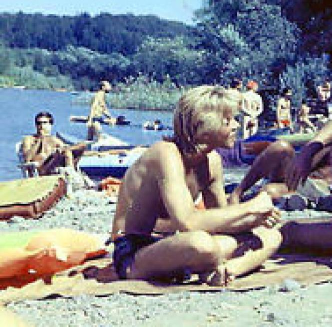 Gay by nature: river revelers relax in 1978. Photo: Morehead
