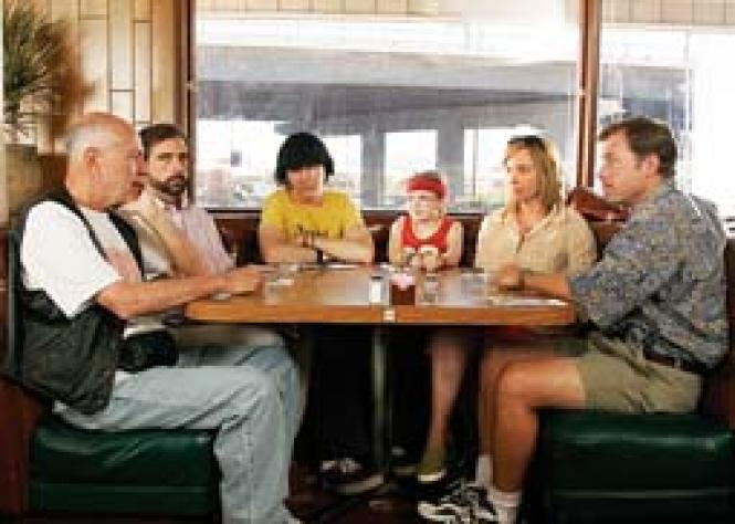 A scene from <i>Little Miss Sunshine:</i><br> an eccentric extended family<i>.</i><br> Photo: Courtesy Twentieth Century Fox
