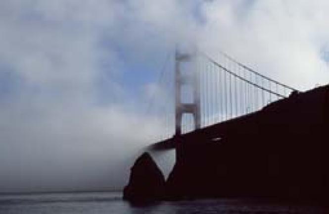 """San Francisco's Golden Gate, a """"suicide<br>magnet"""" in <i>The Bridge</i>"""