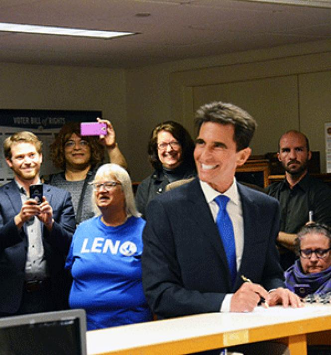 Mark Leno, backed by supporters, smiles as he fills out<br>paperwork May 4 to enter the 2019 San Francisco&#039;s mayoral race. Photo: Rick<br>Gerharter