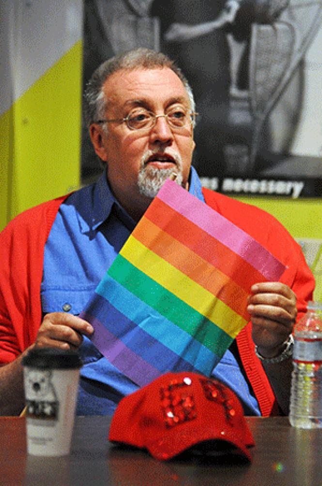Gilbert Baker talked about the rainbow flag during a 2012<br>appearance in San Francisco. Photo: Rick Gerharter