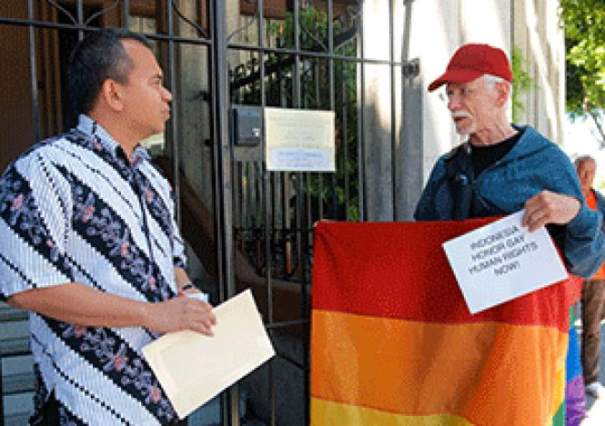 F. Bernard Loesi, left, consul for information and public<br>diplomacy affairs at the Indonesian Consulate in San Francisco, talked to Ken<br>Hodnett, right, during a Gays Without Borders protest May 31. Photo: Jane<br>Philomen Cleland&nbsp;<br><br><br><br><br><br><br>