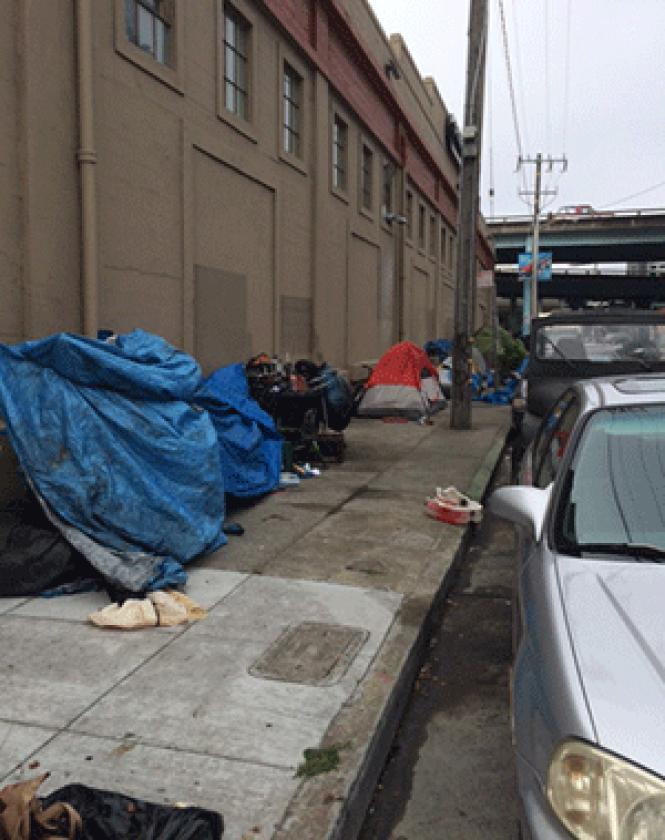 Tents on Brannan Street, near Ninth Street, behind the<br>Fitness SF gym. Photo: Seth Hemmelgarn <br><br><br><br><br><br><br>
