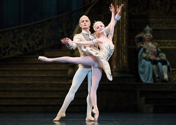 "San Francisco Ballet's Sasha De Sola and Carlo Di Lanno in Helgi Tomasson's ""The Sleeping Beauty."""