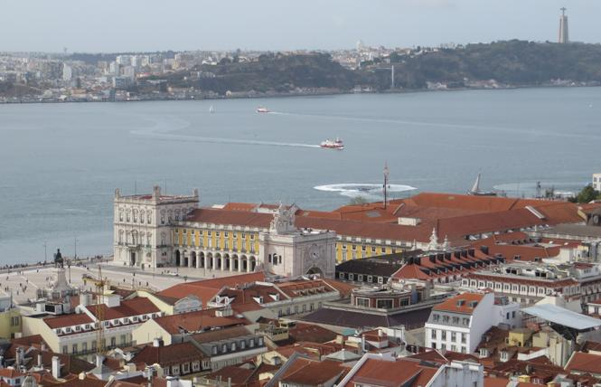 The view of Praca do Comericio on Tejo riverfront from Castelo S. Jorge is breathtaking. Photo: Charlie Wagner