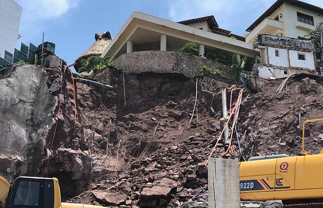 A cliff at a construction site near a gay beach in Puerto Vallarta collapsed. Photo: David D.