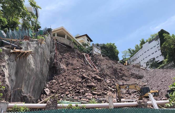 A steep hillside near the gay beach in Puerto Vallarta collapsed August 10. Photo: David D.