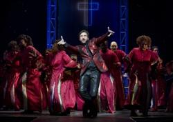 "Raul Esparza and the ensemble of Leaf of Faith"""