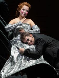 Hye Jung Lee (Olympia) and Matthew Polenzani (Hoffmann) in San Francisco Opera's 'Les Contes d'Hoffmann'