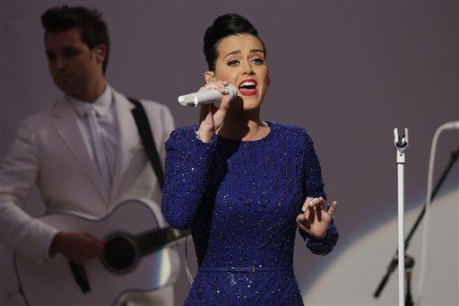 "Singer Katy Perry performs her song ""Roar"" at an event for the Special Olympics hosted by President Barack Obama in the State Dining Room at the White House."
