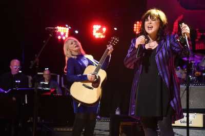 A wild night with the women who rock — Heart, Joan Jett (w/special guest, Elle King) shake the Tacoma Dome