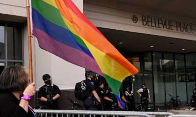 Protesters clash outside law enforcement appreciation dinner in Bellevue