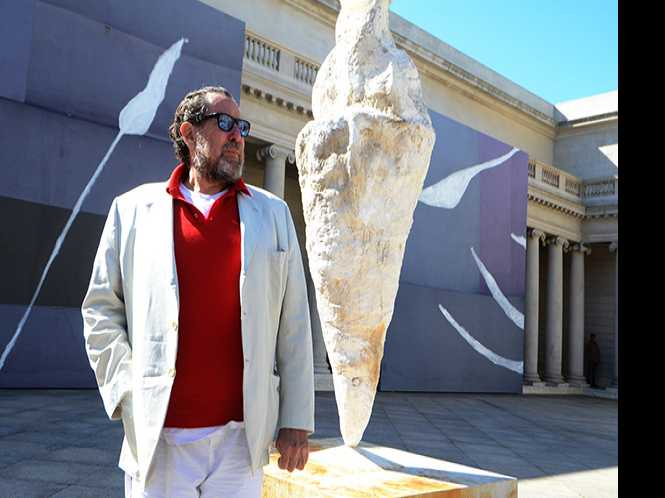 Julian Schnabel mingles with Rodin