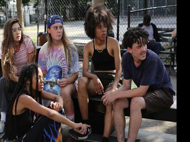 Girl skateboarder posse