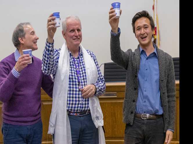 Gay trailblazer leaves office: Worthington seeks new job