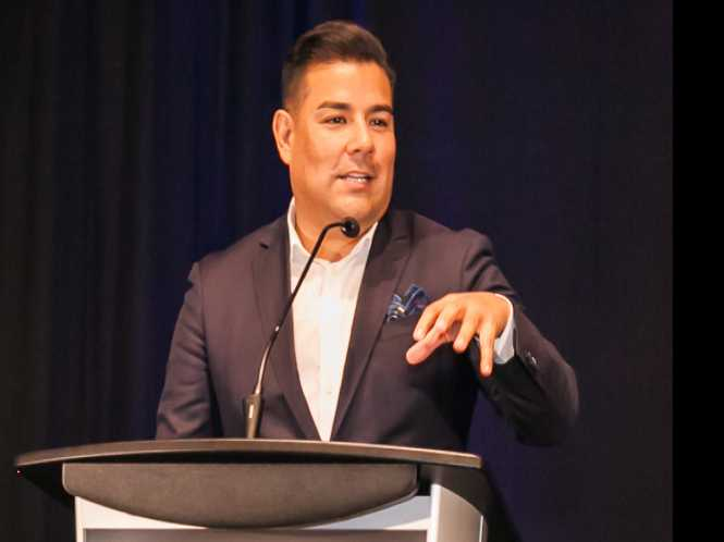 Gay insurance chief stresses 'fair deals' to LGBT, allied biz leaders