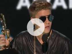 Justin Bieber Booed at Billboard Awards