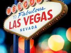 Jackpot! 5 Booking Tips to Save on Las Vegas Getaways
