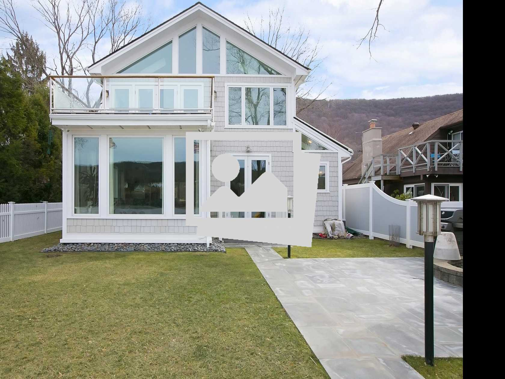 House Browse :: Garrison, NY Property on the Hudson Comes Fully Loaded!