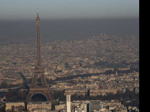 Facing Pollution Peak, Paris Takes Drastic Measures