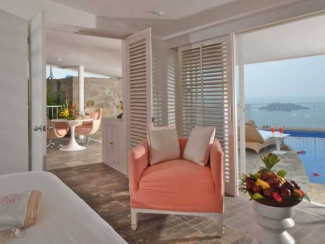 Going Glam in Acapulco