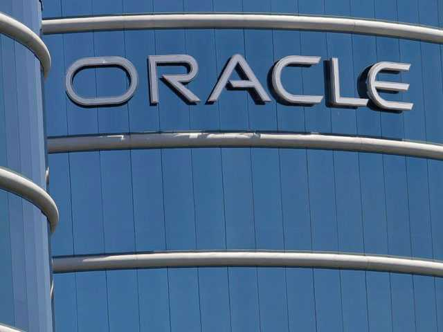 U.S. Sues Oracle, Says It Pays White Men More Than Others