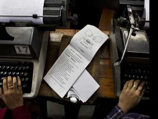 For India's Typewriters, the Ribbon May Have Finally Run Out