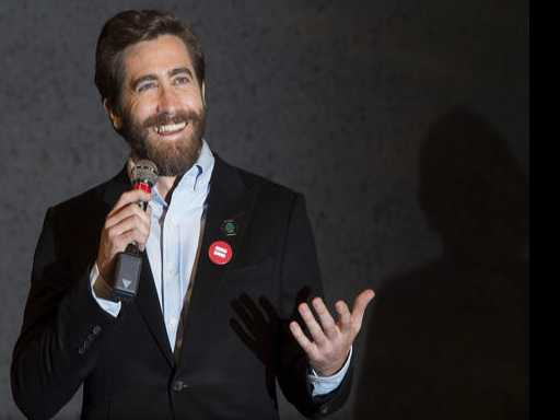 Jake Gyllenhaal Helps Open a New Broadway Theater