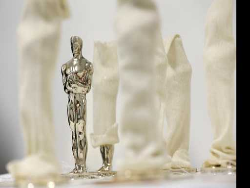 Casting Oscar: Foundry Creates Each Statuette As Work of Art