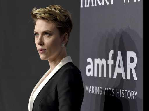 Scarlett Johansson, Post-Breakup, Resurfaces for amfAR Gala